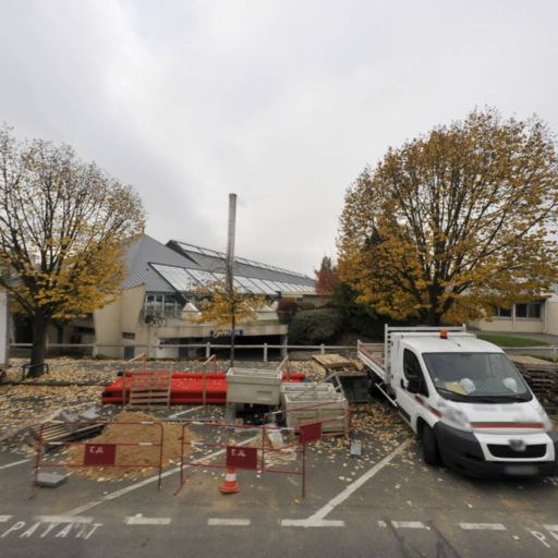 Parking Piscine - Parking - Le Chesnay