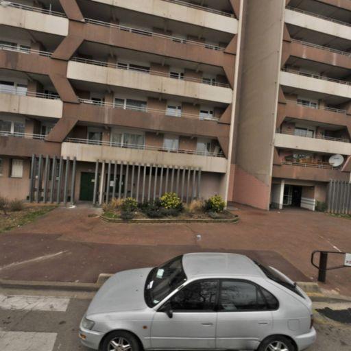 Dr House Yassine Layadi Mandataire - Mandataire immobilier - Créteil