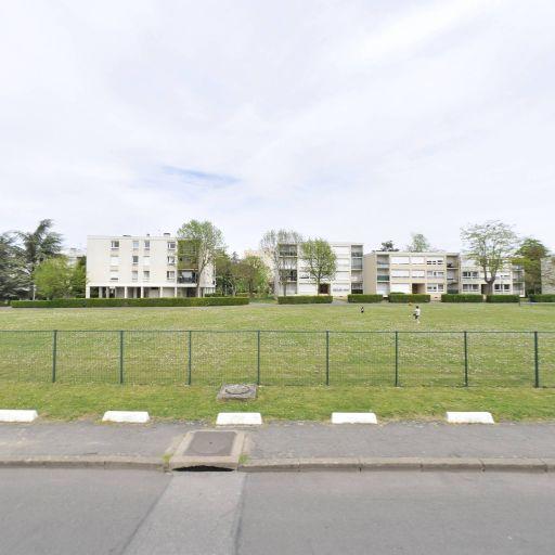 Terrain de Sport Residence Lavoisier - Terrain de pétanque - Évry