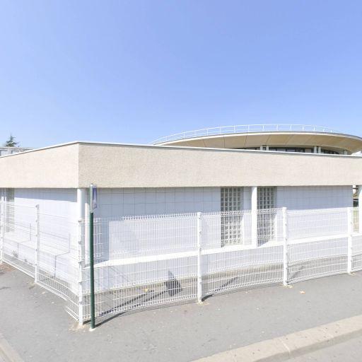 Lycée professionnel Charles Baudelaire - Enseignement pour le commerce, la gestion et l'informatique - Évry