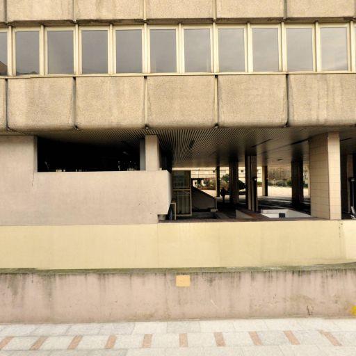 Ministère de l'Economie, de l'Industrie et de l'Emploi - Économie et finances - services publics - Vincennes