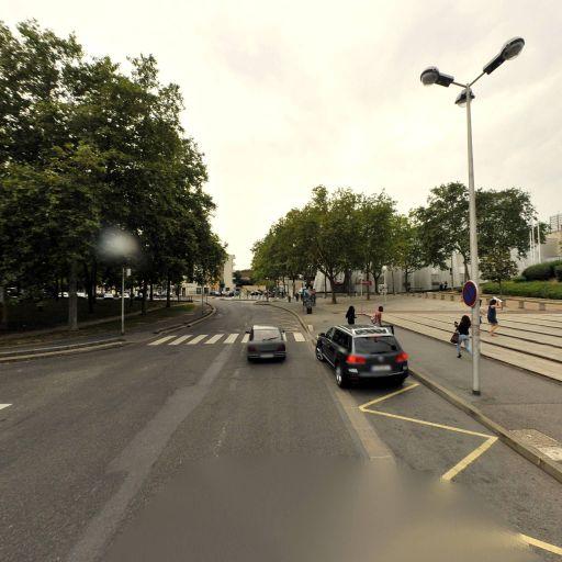 Permis Malin - Location d'automobiles de tourisme et d'utilitaires - Évry-Courcouronnes
