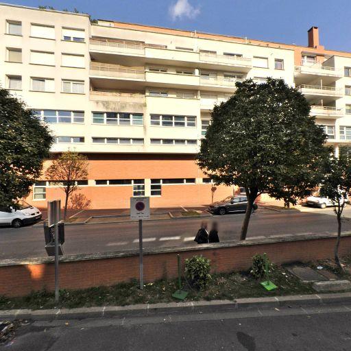Parking Ibis Paris Issy Val de Seine - Parking public - Issy-les-Moulineaux