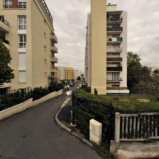 Godet Jacques - Aménagement et entretien de parcs et jardins - Suresnes