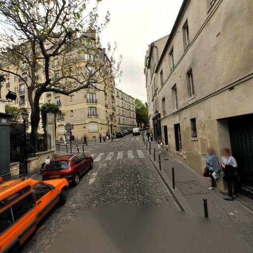 Le Moulin De La Galette - Restaurant - Paris