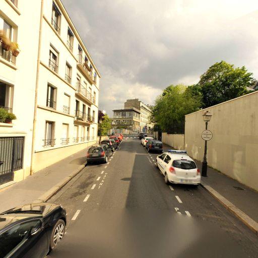 911 Montmartre - Garage automobile - Paris