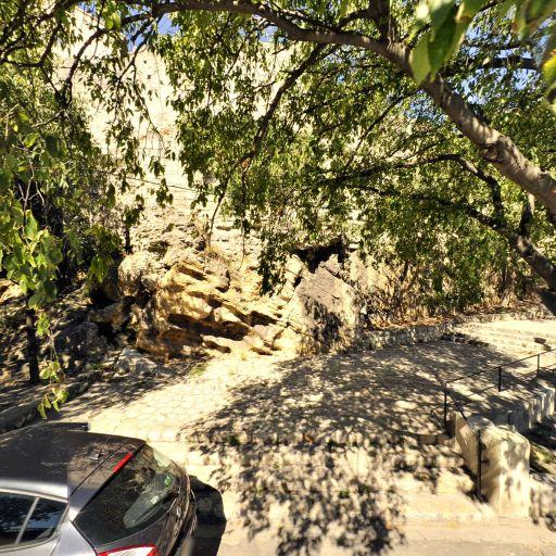 Vestiges du Groupe épiscopal paléochrétien de l'enclos Saint Césaire - Attraction touristique - Arles