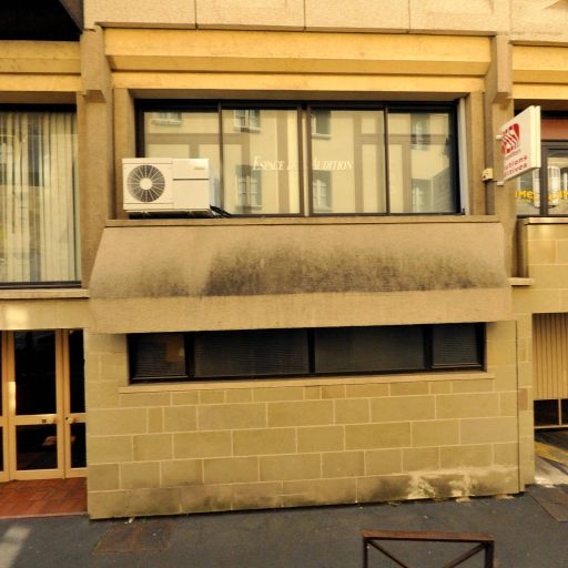 Café Des Halles - Café bar - Brive-la-Gaillarde
