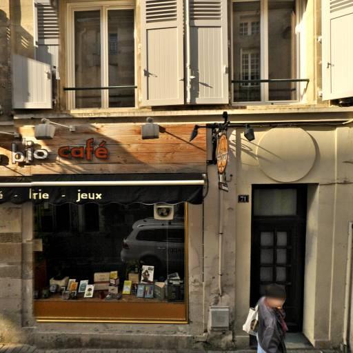 Le Biblio Café - Café bar - Poitiers