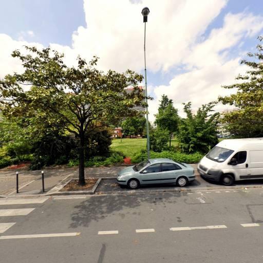 08-mai-45 - Parking public - Saint-Denis