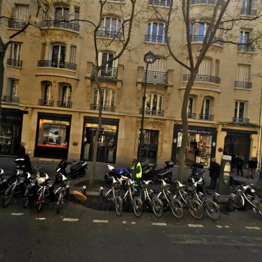 Laura B - Bronzage UVA - Paris