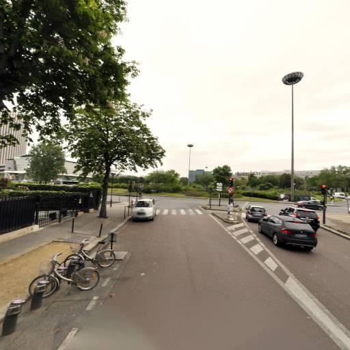 Station Vélib' André Maurois - Joseph et Marie Hackin - Vélos en libre-service - Paris