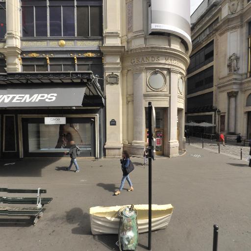 Tod's Boutique corner Printemps Haussman - Grand magasin - Paris