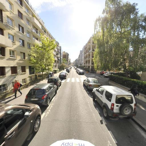 Alix Claire - Graphiste - Boulogne-Billancourt