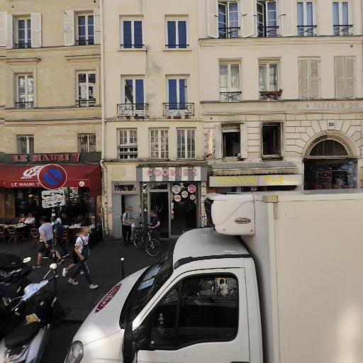 Many - Magasin de cosmétiques - Paris