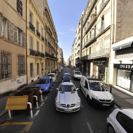 Direct Cars - Carrosserie et peinture automobile - Marseille