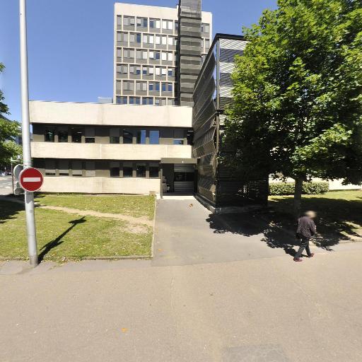 Parking VINCI Park Champ Girault - Parking public - Tours
