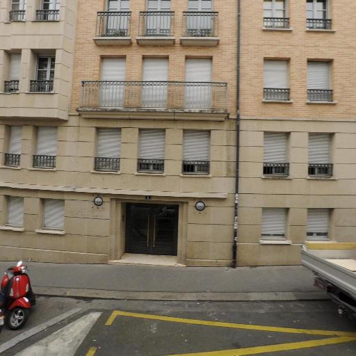 Poilbarbe Anne Claire - Cadeaux - Paris