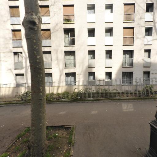 Mougenot Arlette - Jouets et jeux - Paris