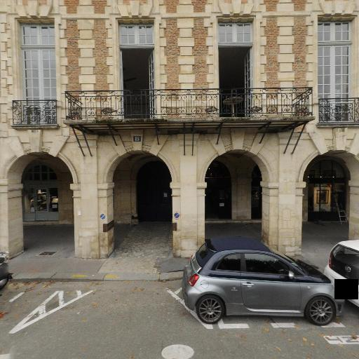 Vosges Immobilier SCI - Agence immobilière - Paris