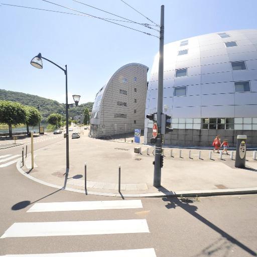 ibis Besançon La City - Parking public - Besançon