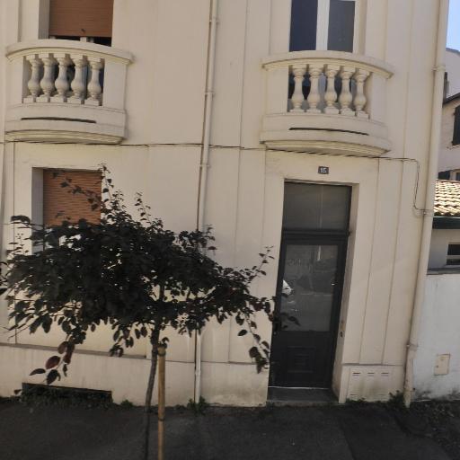 Natacha Prechner - Psychothérapie - pratiques hors du cadre réglementé - Biarritz