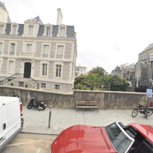 Optique Des Halles - Opticien - Biarritz