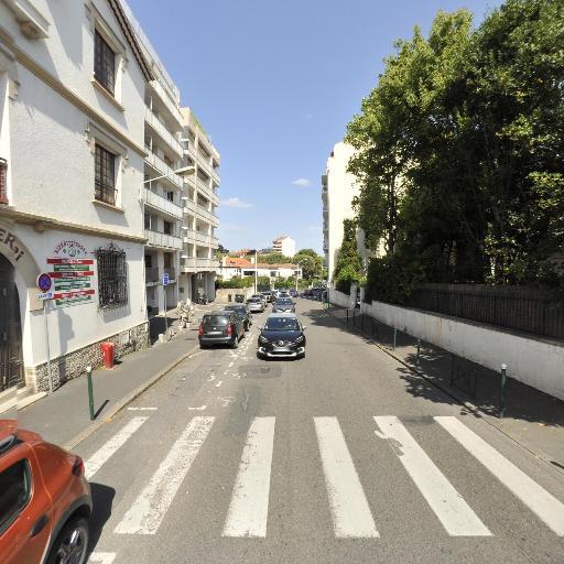 Bouchareb Hind - Traducteur - Biarritz